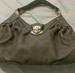 Luis Vuitton Medina Handbag